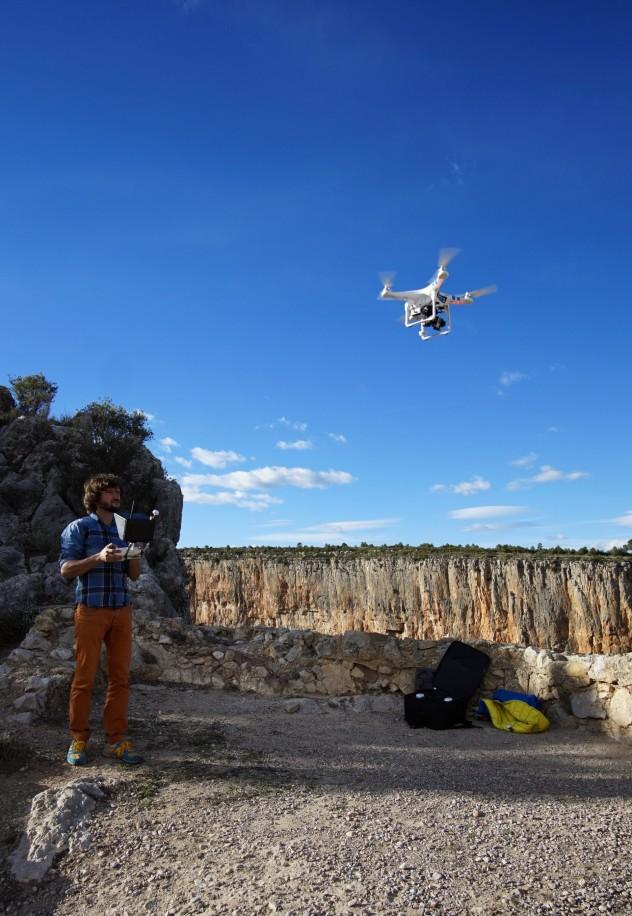 Andrzej i dron